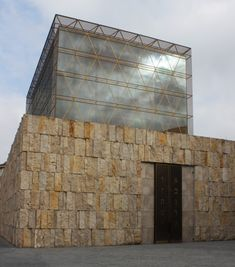 A golden veil for the synagogue | Architecture at Stylepark