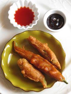 Plateful: Chili Pepper Fritters — Mirchi Pakora — Mulaku Bajji