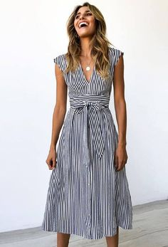 Benilda Striped Midi Dress Benilda Striped Midi Dress,Kleider Related posts:Hand Embroidery Ideas Creative ideas about embroidery and sewing. - Perfect Medium Length Hairstyles for Thin Hair - HairFashion Design - DressPartykleider für. Casual Summer Dresses, Modest Dresses, Simple Dresses, Pretty Dresses, Dresses For Work, Beautiful Summer Dresses, Striped Summer Dresses, Styles Of Dresses, Cotton Summer Dresses