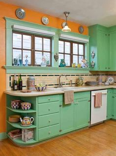 Holy smokes this is my grandmothers old kitchen.  Every kitchen had those shelves at the end of the counters.