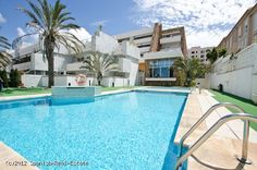 Amazing luxury split maisonette flat with views to the sea and a golf course. The development has a high end finish and robust oak wood flooring in the Canary, Las Palmas Islands  #luxury #villa #ForSale #property  #Spain #properties