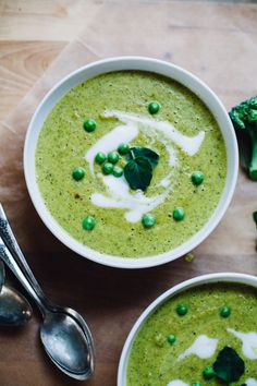 Spring Pea and Broccoli Cashew Creamy Soup #vegan #glutenfree #soup