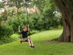 Get instructions for an easy tree swing that will give your kids (and you!) hours of enjoyment.