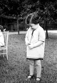 vabalninkas women Clandestine photograph taken by george kadish: scene during the deportation of jews from the kovno ghetto kovno, lithuania, 1942  women, and children,.