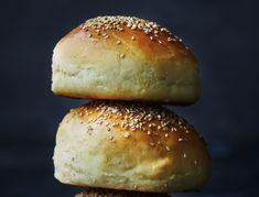 Burger Recipes, Bread Recipes, No Rise Bread, Bread Bun, Dough Recipe, Dessert Recipes, Desserts, Good Food, Food And Drink