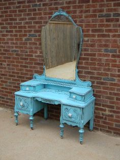 This is just gorgeous. It makes me want to hit the flea market in search of one for myself.
