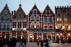 Buy tickets for the Bruges Tour. The Bruges tour will take you to historic Bruges. Bruges is a UNESCO World Heritage site. Places Around The World, Oh The Places You'll Go, Places To Travel, Places To Visit, Around The Worlds, Bruges Christmas Market, Best Christmas Markets, Christmas Store, Winter Christmas