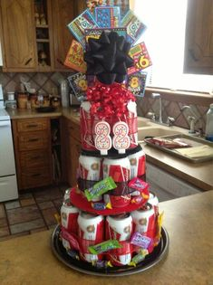 Beer Can Cake :) like the scratchers on top Birthday Diy, Birthday Parties, Birthday Gifts, Birthday Ideas, Beer Can Cakes, Beer Basket, Alcohol Cake, Candy Bouquet, Beer Bouquet