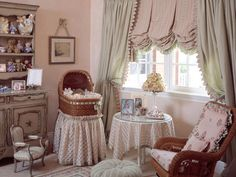 Design an adorable room for your kids in order to create a happy and lively home environment. If you do not know how to design a lovely kids' room, you can get some inspirations from the flowing designs. French Country Bedrooms, French Country Decorating, Country French, Nursery Room, Kids Bedroom, Kids Rooms, Baby Rooms, Girl Nursery, Bedroom Setup