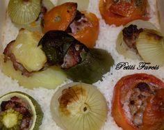 Ingrédients Pommes de terre, tomates, poivrons, oignons, courgettes 400 g de chair à saucisse 200 g de Riz Recette : Faire cuire les pommes de terre dans l'eau bouillante salée environ 30 minutes et les oignons environ 15 minutes suivant la texture désirée...
