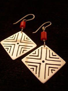 killari: ARETES DE PLATA Jewelry Ideas, Jewelry Accessories, Diy Projects To Try, Cufflinks, Jewelry Making, Jewels, Christmas Ornaments, Holiday Decor, Earrings