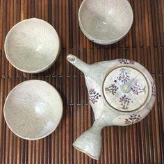 Kyoto Shinbisou teapot and cups Kashun #kyoyaki #teaware #japanesepottery  #pottery #japaneseceramics #ceramics #houhin #instatea  #tea #greentea