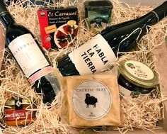 Siempre seleccionamos los mejores productos @naturviegourmet @patapower @bodegashabla @pimentonvera www.plasenciasabores.com o Plaza Mayor 10 #extremadura #gourmet #vino #queso #aceitedeoliva #plasencia #plazamayor
