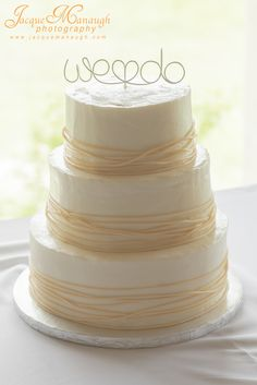 Modern wedding cake topper // OneWed