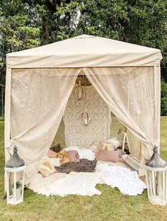 Backyard Glamping 6 Easy Ideas glamping site how to glamp backyard glamping glamping tent plans backyard camping tent romantic glamping backyard canopy backyard glamping party how to build a glamping site outdoor party Hallstrom Home Backyard Camping, Backyard Canopy, Canopy Outdoor, Camping Glamping, Backyard Parties, Camping Ideas, Snow Camping, Romantic Backyard, Outdoor Cabana