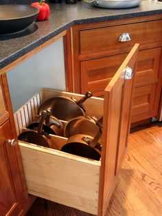 what a great idea for pots and pan storage.
