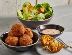 """Arancini with Mary-Rose sauce and salad"""
