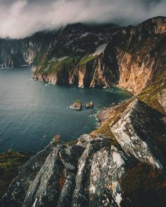 Slieve League, Donegal, Ireland Cliffs | Ireland | Travel tips | Places to go | Cheap travel |