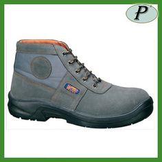 Botas de protección transpirables modelo 1022 Ramon estilo Worker. Más información: http://www.tplanas.com/epis/calzado-de-seguridad/746-botas-de-seguridad-transpirables-1022.html