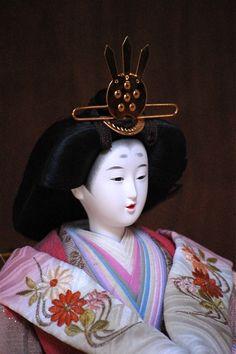 Hina muñeca japonesa para la celebración del Dlia de la Niña (3 de marzo)