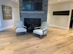 Stunning office Engineered Hardwood Flooring, Hardwood Floors, Condominium, Plank, Cottage, Design, Home Decor, Wood Floor Tiles, Wood Flooring