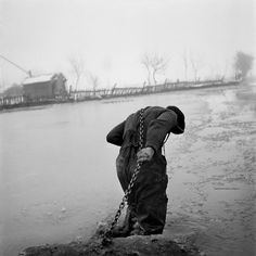 Werner Bischof. Hungary 1947 The Theiss river flooded (Magnum)