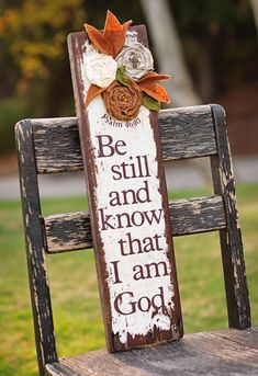 scripture signs Love this! Pallet Crafts, Pallet Art, Pallet Signs, Wooden Crafts, Pallet Wood, Wood Projects, Craft Projects, Projects To Try, Crafts To Make