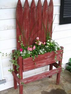 A Little Bit of This, That, and Everything: Pallet Project - Pallet Flower Box