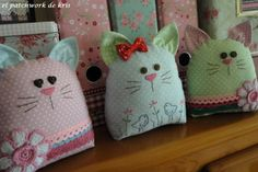 Quilt Kitties Cutest sewing project ever ! Cute Sewing Projects, Sewing Crafts, Fabric Toys, Fabric Crafts, Cat Crafts, Diy And Crafts, Fabric Animals, Cat Quilt, Kids Pillows