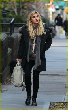 I believe my next hair color will be blonde a la Imogen Poots.