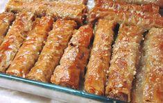 Εύκολα και γρήγορα τραγανά μπακλαβαδάκια ρολό (μασουράκια) - Χρυσές Συνταγές Greek Desserts, Confectionery, Sweet Recipes, Biscuits, Sausage, Bacon, Deserts, Sweets, Dishes