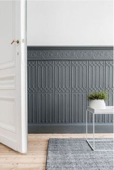 10 Impressive Cool Tips: Dark Painted Wainscoting wainscoting hallway kitchens.Wainscoting Bathroom Entry Ways wainscoting office upstairs hallway.Painted Wainscoting Before And After. Rustic Wainscoting, Beadboard Wainscoting, Wainscoting Bedroom, Wainscoting Ideas, Paneling Ideas, Paneling Walls, Wainscoting Panels, Wall Panelling, Wall Cladding