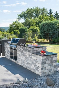 Design Jardin, Garden Design, Outdoor Bar And Grill, Dirty Kitchen, Outdoor Kitchen Design, Design Process, Luxury Homes, Sweet Home, Sloped Backyard