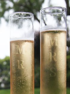 Cheers! These DIY personalized champagne glasses are something to celebrate. Make them for a couple as a creative & memorable gift or create a set for yourself on your big day! With our @Darby Casey Smart DIY kit, you can easily make a set in 30 minutes & give a gift that lasts a lifetime. #MadeByMe