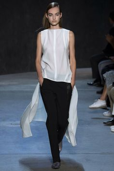 Narciso Rodriguez Spring 2017 Ready-to-Wear Fashion Show Collection