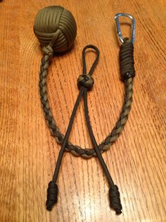 Paracord Monkeys Fist Knocker (Golf Ball) and FREE matching Key Chain