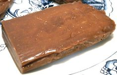 CHEWY LOW-CARB PEANUT BUTTER CANDY BAR