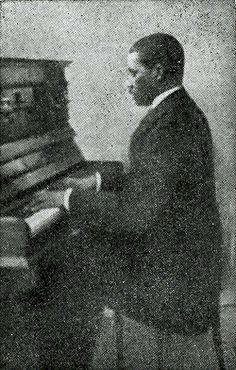 Johannes Helstone, Surinaamse conservatorium geschoolde musicus en componist in de 19e eeuw. uit: DBNL, Emancipatie, 1863 - 1963 Biografieën. Dubbelklik voor meer info.
