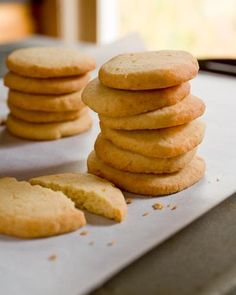 Paleo Christmas Shortbread and other delish recipes