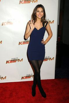 Celebrity Legs and Feet in Tights: Victoria Justice`s Legs and Feet in Tights 2 Pantyhose Outfits, Nylons, Black Pantyhose, Victoria Justice Outfits, Vicky Justice, Victorious Justice, Fashion Tights, Sexy Legs, Short Dresses