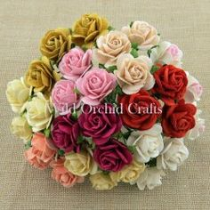 MIXED COLOUR OPEN ROSES
