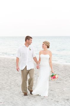 #BeachWedding, #Coral Bridal Bouquet, #coralroses, colorful bouquet!