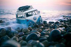 Tiny Cars, Big Adventures -photos of miniature Volkswagon photographer Kim Leuenberger Volkswagen Transporter, Vw T1, Vw Volkswagen, Miniature Photography, Photography Photos, Creative Photography, Photoshop, Cool Photos, Beautiful Pictures