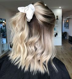 pretty hairstyles With Glasses; pretty hairstyles For pretty hairstyles Blondes # Cute Hairstyles For Short Hair, Curly Hair Styles, Scarf Hairstyles, Beautiful Hairstyles, Easy Pretty Hairstyles, Trendy Hairstyles, Curls For Short Hair, Scrunchy Hairstyles, Wavy Hair