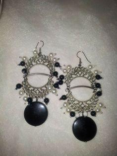 cercei lungi cu accesorii metalice si perle Armin, Jewelry Accessories, Pearl Earrings, Pearls, Metal, Jewelry Findings, Pearl Studs, Beads, Metals