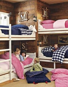 such a great cabin or beach house kids' room idea, love this!!!