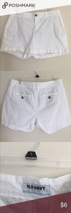 Old Navy shorts White shorts with button back pockets Old Navy Shorts