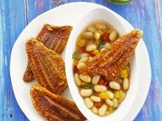 Rotbarbenfilet mit Bohnensalat ist ein Rezept mit frischen Zutaten aus der Kategorie Hülsenfrüchte. Probieren Sie dieses und weitere Rezepte von EAT SMARTER!