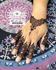 Mehndi design makes hand beautiful and fabulous. Here, you will see awesome and Simple Mehndi Designs For Hands. Henna Hand Designs, Eid Mehndi Designs, Latest Mehndi Designs, Pretty Henna Designs, Mehndi Designs Finger, Mehndi Designs For Fingers, Simple Mehndi Designs, Henna Tattoo Designs, Henna Tattoo Hand
