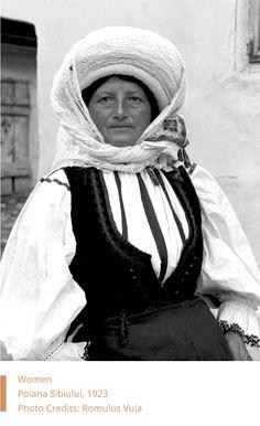 Woman from Poiana Sibiului, Romania - Romulus Vuia, 1923 Folk Costume, Costumes, Folk Embroidery, Embroidery Patterns, Folk Music, Designer Dresses, Transylvania Romania, Vintage Portrait, Turtle Neck